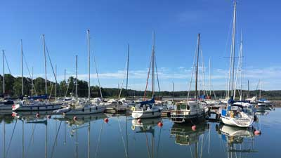 There are seasonal berths for sailing boats in Förby Marina.